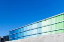 Обшивка фасада профлистом: особенности решения и порядок работ