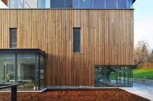 Деревянные фасады: материалы и защита от разрушений
