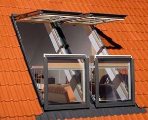 Очень популярна комбинация балкона и окна для мансард